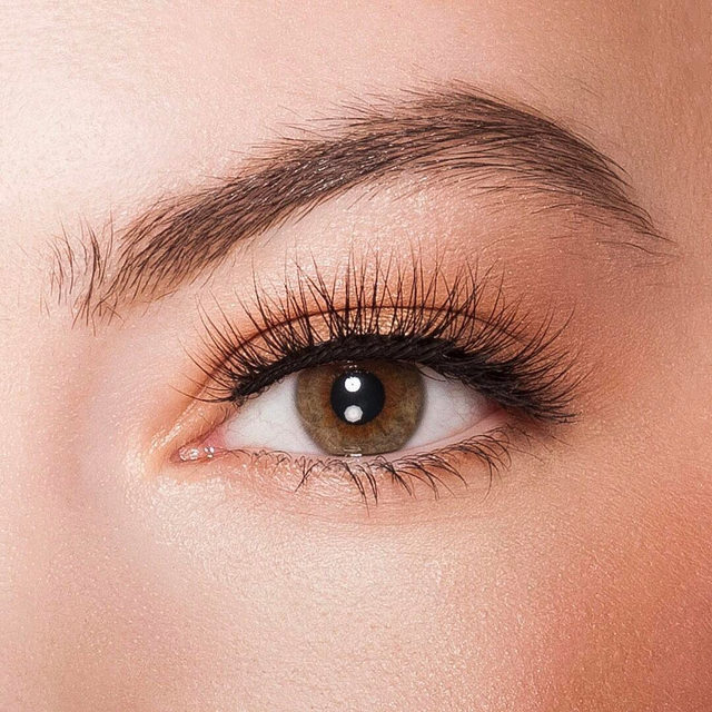 We live for the whispy lashes. Check out Whispie Sweet Nothings 😉  PROMO ALERT: GET 25% OFF ALL LASH STYLES! Hurry!! Offer ends March 29 ✨ Click the link in our bio to shop. We ship worldwide on velourbeauty.com! ✨  #VelourLashes #VelourBeauty #LiveInLashes