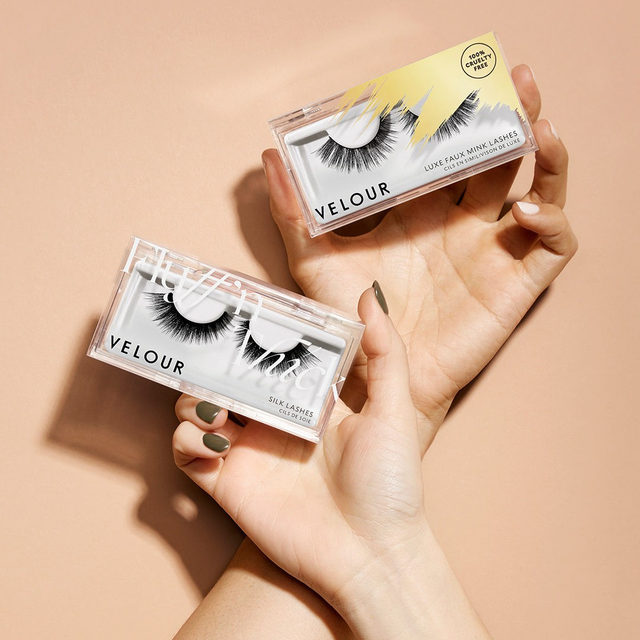Hey there 👋 Lash Fam.  During this period of uncertainty and the changes in the environment, we found ourselves wanting to be more active in supporting our community.   So, we're introducing a collection of lashes at a special price of $12. What's more? 50% of proceeds from this collection will be donated to Global Citizen & World Health Organization's COVID-19 relief fund.   Click the link in our bio to shop now!  #VelourBeauty #VelourLashes #TogetherAtHome