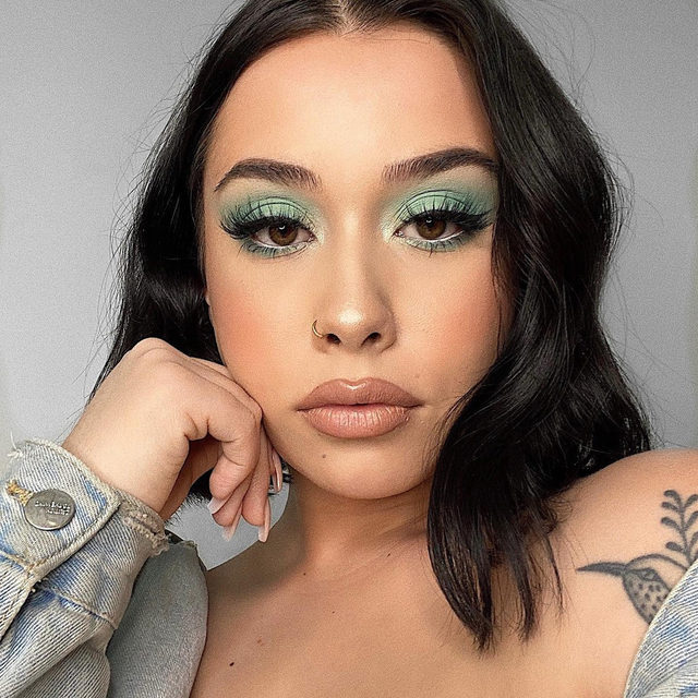 We love our Velour Fam. If you ever need someone to talk to, our DM's are open. 💛  @makeup.bytanisha in this icy look, wearing Fluff Yeah!  Looking for more lashes?  Shop any of our select $12 lashes today, 50% of proceeds will go towards being donated to Global Citizen & World Health Organization's COVID-19 relief fund.  Tap to link in our bio to shop.  @GlblCtzn x @WHO  #TogetherAtHome #CoronaVirus #CoVid19 #VelourBeauty