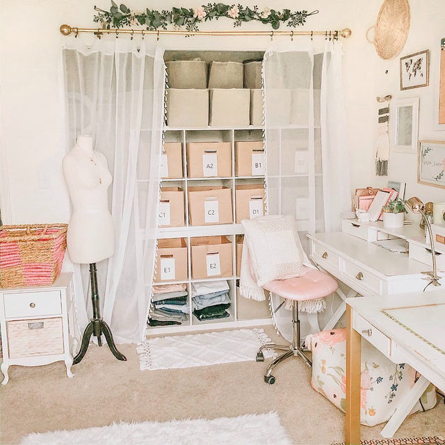 ON THE BLOG 📝 We're talking all about Inventory Management! We're sharing all the ways you can optimize your space, how to efficiently label your items, and what Poshmark tools you can use to stay organized. Read the post via our link in bio.