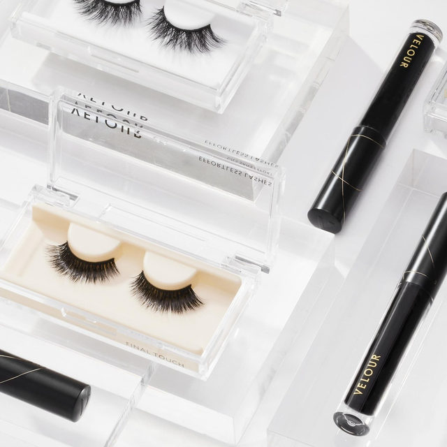 What's a product you can't live without? Lashes or Eyeliner? 👇🏻🖤 If you can't choose, then why not both? 😜Pair off our new Lash & Go eyeliner with our lashes to complete that effortlessly snatched look.  Lash & Go is available on velourbeauty.com & @sephora - click the link in our bio to shop now!  #VelourBeauty #VelourLashes #LiveInLashes