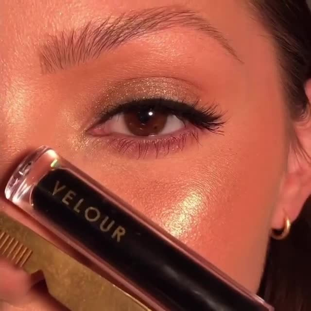 Lash application made easy ✨  Have trouble applying lashes? If so, Lash & Go is a game-changer!  Join whitneykshepherd as she puts Lash & Go to the test 💫 She's wearing Would I Lie? from our Effortless Collection. 🖤 Promo Alert: Purchase our new Lash & Go Eyeliner with a select Best-selling Mink lash style for only $42. That's a whole $10 in savings! Click the link in our bio to shop now.  #VelourBeauty #LashAndGo