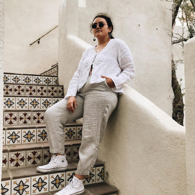 @aiza.krystelle setting the tone in our favorite pants of the season, our Washed Organic Linen Delave Lantern Pant, still available in certain Petite and Plus sizes!