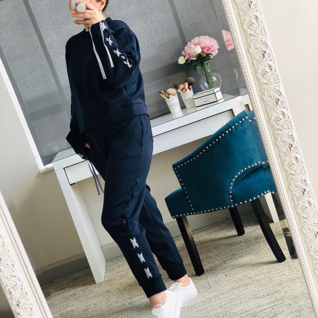 Not sure which pants we should wear today, the choices are sweatpants or sweatpants. 😂 Head to our link in bio to check out @scandi_gal closet and snag this adorable set! #poshmarkseller #comfy #loungewear