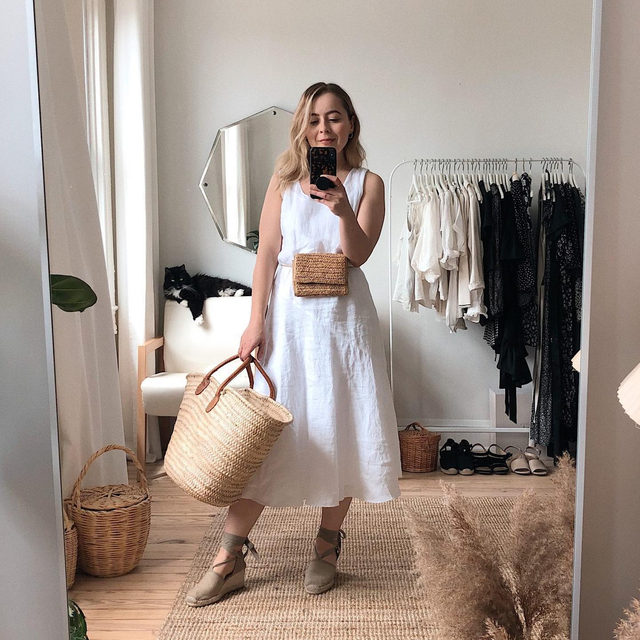 5 days with @jesswithless: one of our favorite petite bloggers shares a week of looks inspired by doing things close to home. Jess is 5 feet tall and wears an XXS in EF.