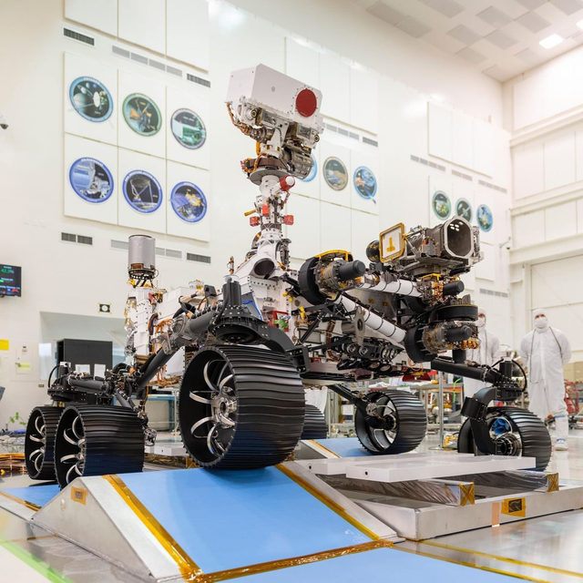 NASA hopes that its newest rover Perseverance, will be the first to find evidence of life outside of our pale, blue dot. 👀🌎 Link in bio for more. 📸: @nasa/JPL-CALTECH
