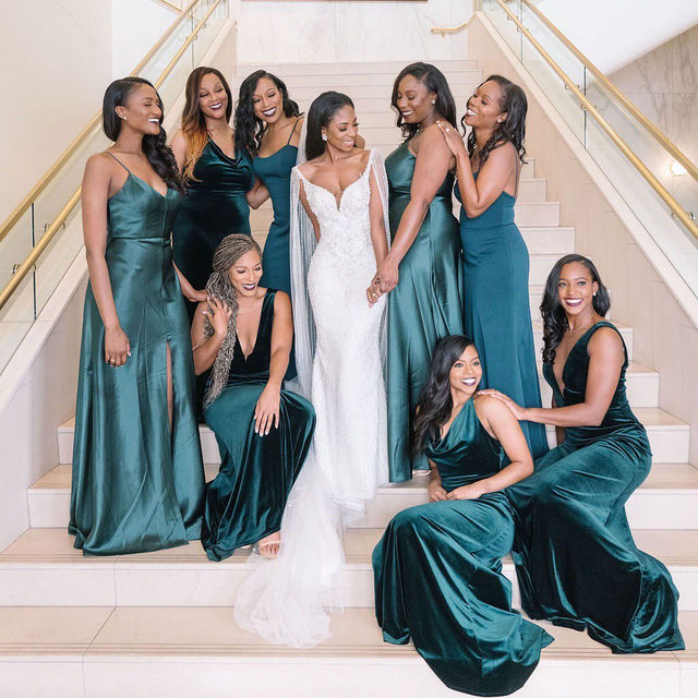 If you're as obsessed with this bridal party look as we are, just WAIT until you see the rest of this Houston wedding. ✨✨ It's a modern take on the classic Black-tie party and it will leave you wanting to copy every upgraded detail. Head to the #linkinbio for the entire inside look into this wedding day. 🎀 #BridesRealWeddings 📸: @stephania_photo 📋: @d.concierge 👰🏾: @shessooverdressed