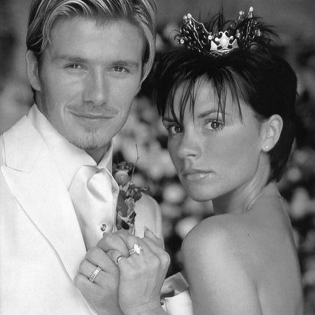 An ode to our favorite 90s couple because today is their 21st anniversary. ❤️ Fun fact: did you know that @davidbeckham kept a memento from the first time he met @victoriabeckham because he knew she was ~the one?~ Head to the #linkinbio to find out more details! 📸 via @gettyimages + @davidbeckham