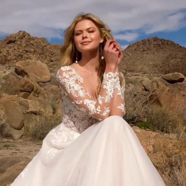 Sunshine state of mind 🤩☀️✨ Reagan, Style 2078 ✨ . . . #morilee @madelinegardner #madelinegardner #chic #designerweddingdresses #weddingdesigner #bridal #bridalgown #instawed #weddingseason #realweddings #weddedbliss #weddingshoot #bride2019 #realbride #sayyestothedress #isaidyes #bride2be #pride #love #bridalgowns #bridalgown #modernbride #classicbride #dresscometrue #2020wedding #romantic #brides