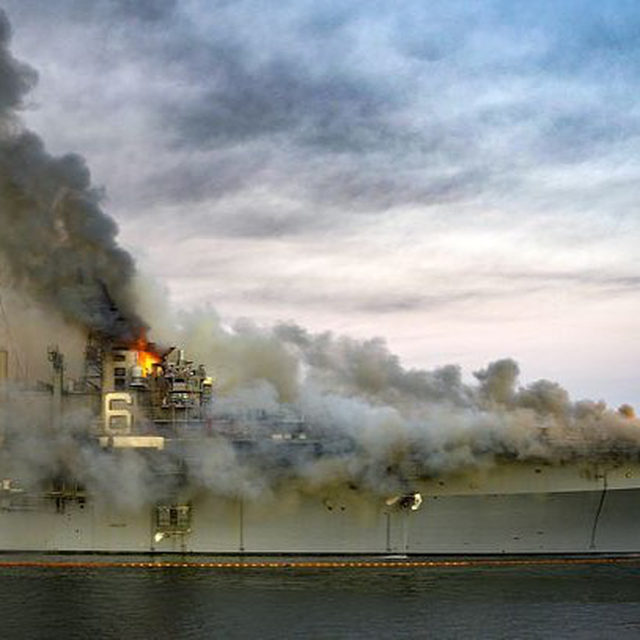 The USS Bonhomme Richard has been on fire since Sunday. It could be the first U.S. air carrier lost since 1945. 🔗Link in bio to learn more. 📸:@usnavy/@gettyimages