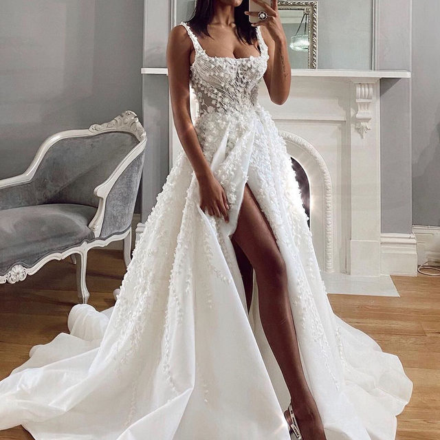 """Wedding dress shopping is becoming a possibility again, but before you go walking into a bridal salon there are a few things you need to know. 👰🏾 Head to the #linkinbio for 8 things to keep in mind before you say """"yes"""" right now. 📸 & 👗: @pallascouture"""