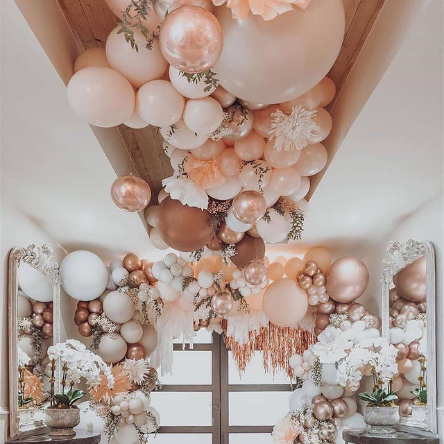 Peachy #perfection! 🤩 How stunning is this #dreamy installation?! ✨ . . . #morilee @madelinegardner #madelinegardner #chic #designerweddingdresses #weddingdesigner #bridal #bridalgown #instawed #weddingseason #realweddings #weddedbliss #weddingshoot #bride2019 #realbride #sayyestothedress #isaidyes #bride2be #pride #love #bridalgowns #bridalgown #modernbride #classicbride #dresscometrue #2020wedding #romantic #brides