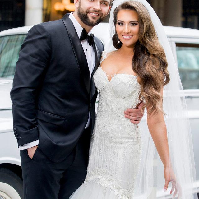 #WeddingWednesday 👰  Our #BridalReflectionsBride @biancaapappas was featured in @insideweddings! 💕 Click the link in our bio to read all about Bianca and Lukasz's big day! ✨ ⠀⠀⠀⠀⠀⠀⠀⠀⠀ ・・・ ⠀⠀⠀⠀⠀⠀⠀⠀⠀ 👰🤵 #BridalReflectionsBride @biancaapappas 👗  @galialahav from Bridal Reflections 👰 headpiece @bridalstylesboutique 📸 @brettmatthewsgallery 💐 @pedestalsfloraldecorators 💄 @lauren_damelio 💇 @senadakxo 🏰 @stpatrickscathedral  @cipriani  @newyorkpalaceweddings