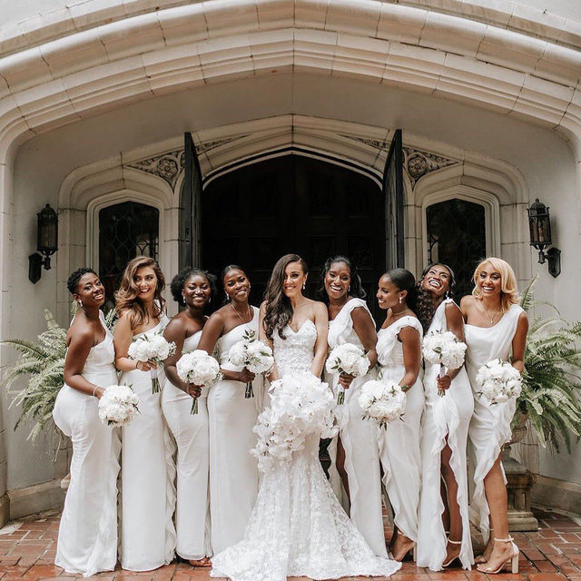 This is one stylish bridal party. 🙌  Head to the #linkinbio for our favorite places to shop for bridesmaid dresses so your girls can look their best, too!  #regram: @kleinfeldbridal 📸: @ashlyncathey.photo