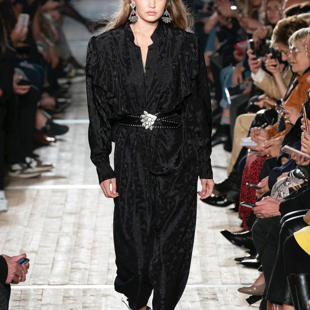 All the best jumpsuits of the Spring-Summer 2020 season are collected at the link in bio: comfy yet super elegant, the jumpsuit was launched in the 1960s by Rudi Gernreich, Yves Saint Laurent and Norma Kamali and it became a cult garment thanks to music icons such as Elvis Presley, David Bowie and Diana Ross. Today, it continues to be a must-have item for the warm season because of its versatility: from more casual looks to sophisticated evening wear suggestions, discover the full selection by @LauraTortora_vogueit via link in bio.