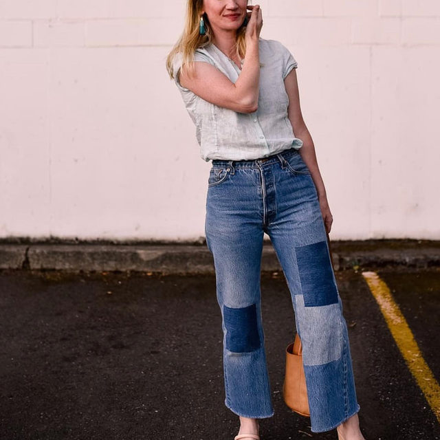 We love how @laurenydahl reworked an old pair of jeans and paired them with this EF top. Thank you for giving clothing a longer life and being part of #circularbydesign. Head to @eileenfisherrenew to shop more one-of-a-kind pieces like her linen shirt and check out her post to learn more about her pants.