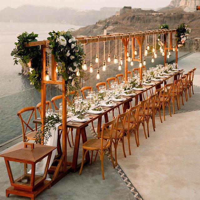 PSA: small weddings can be just as dreamy as big ones. 💫 Head to the #linkinbio 29 intimate parties that prove it! 📸: @sotiris_tsakanikas 📋: @tietheknotsantorini