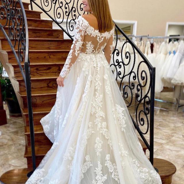 The epitome of classic and #romantic 💕 Ambrosia, Style 2196 ✨ . . . @madelinegardner #madelinegardner #morileebride #designerweddingdresses #weddingdesigner #bridal #bridalgown #instawed #weddingseason #realweddings #weddedbliss #weddingshoot #bride2019 #realbride #sayyestothedress #isaidyes #bride2be #pride #love #bridalgowns #bridalgown #modernbride #classicbride #dresscometrue #2020wedding #romantic #brides