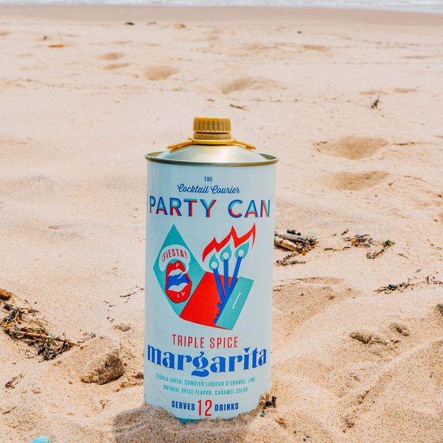 A peep inside our beach bag and you'll find this big guy from one of our fave drinking buddies, @cocktailcourier. This can contains not one, not two, but TWELVE full sized cocktails, and it's everything we want in a marg (minus a salted rim ofc).