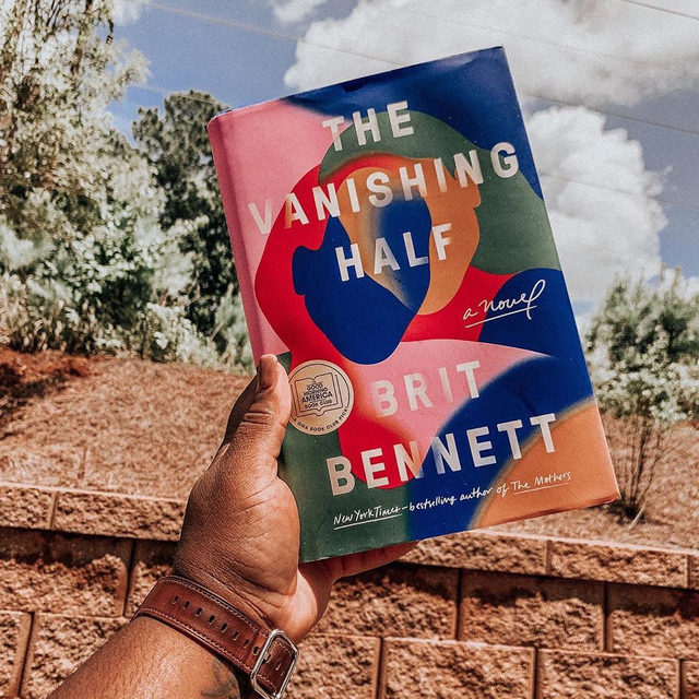 So, your next beach read might not be at an actual beach this year. #TheVanishingHalf by @britrbennett is one of Summer 2020's best and boldest books to transport you, even only in your mind. Link in bio for 40 of our favorite new reads of the season. #regram @itsabookishworld_