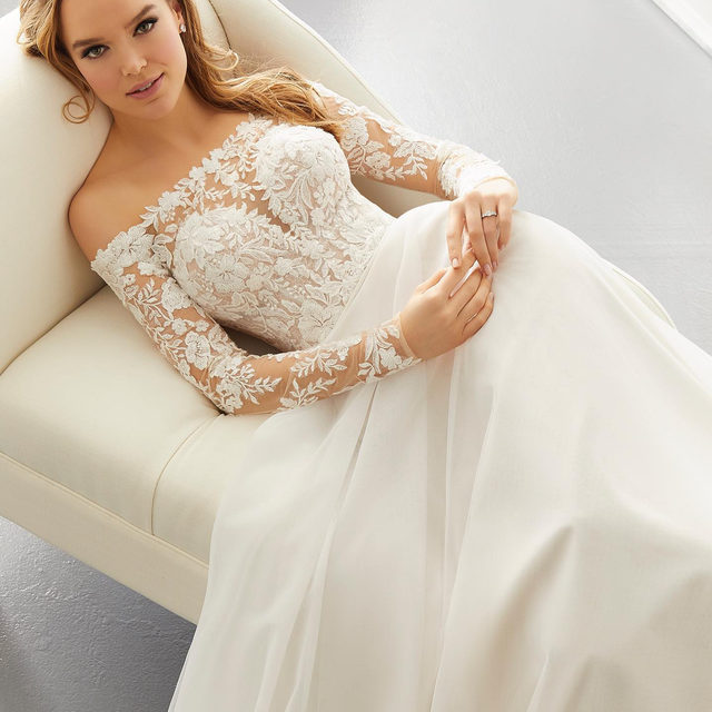 Bohemian #chic ✨ Ashley, Style 5887 ✨ . . . @madelinegardner #madelinegardner #morileebride #designerweddingdresses #weddingdesigner #bridal #bridalgown #instawed #weddingseason #realweddings #weddedbliss #weddingshoot #bride2019 #realbride #sayyestothedress #isaidyes #bride2be #pride #love #bridalgowns #bridalgown #modernbride #classicbride #dresscometrue #2020wedding #romantic #brides