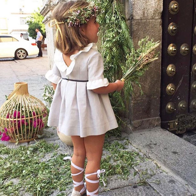 Flower child. 🌸💕 Head to the #linkinbio for 25 stylish looks your littlest wedding guest can rock down the aisle!  #regram: @elvalsdelanovia