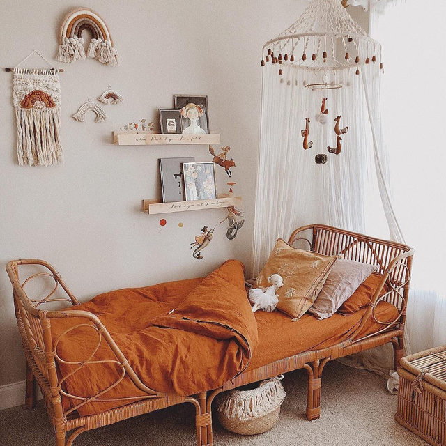 Make a kids' bedroom even dreamier with a canopy over the bed. (📷:@christine_simplybloom) Link in bio for more boho kids' bedroom ideas.