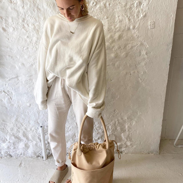 Understated neutrals - thanks for sharing @curateandrotate! Share how you are styling your #Raey wardrobe essentials, tag @raeyofficial.