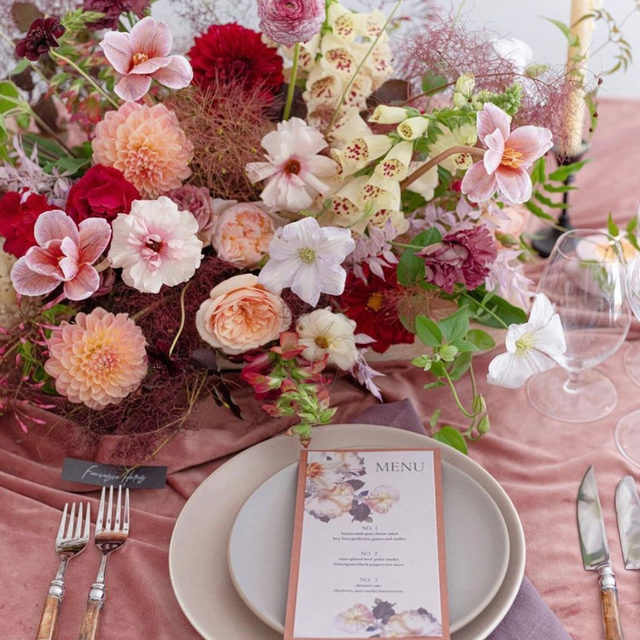 ALL. THE. HEART. EYES. 😍😍😍😍😍 Blown away by this GORGEOUS design from @bustleevents and @bloomfloralfoliage with our #velvetlinen in Blush and #tuscanylinen napkins in Thistle 📷 @amandacrean ⠀⠀⠀⠀⠀⠀⠀⠀⠀ #latavolalinen #transformyourtable #thinkpink #prettyinpink #pinkandpurple #floraldesign #colorstory #weddingcolors #colorfulwedding #pinkwedding #blush #velvet #velvettablecloth #tabletop #onthetable #sonoma #napa