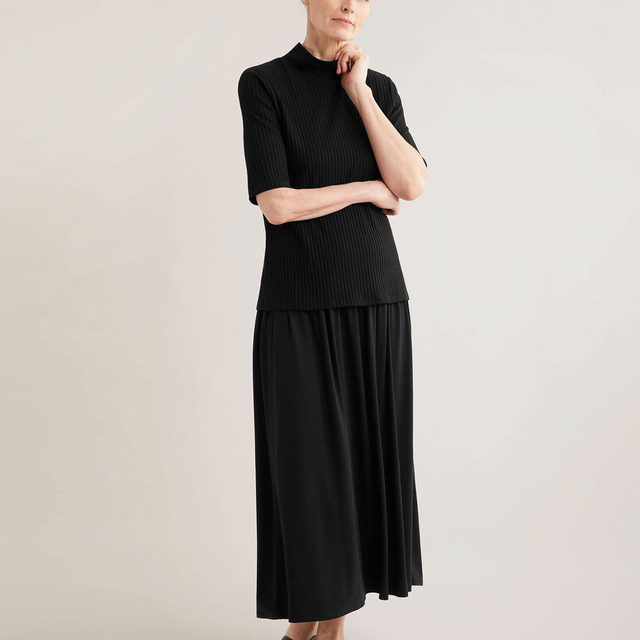 Our Fine Jersey Flare Skirt is made of Tencel™ Lyocell fiber from responsibly harvested trees. Knit and dyed in Canada, cut and sewn in the US. A sleek and sustainable addition to your wardrobe. Tap the link in bio to shop.