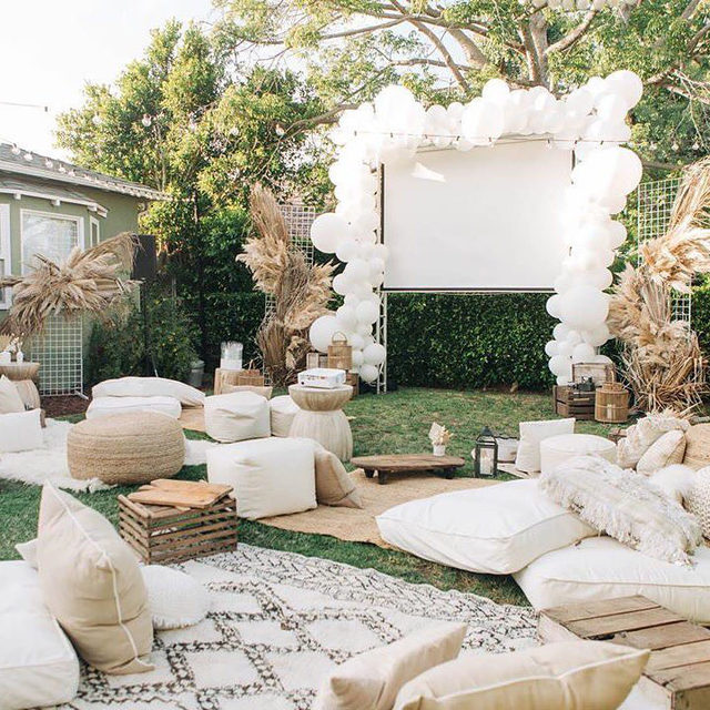 Who says you can't stay home and have your dream bachelorette party, too? 👯‍♀️ We love this backyard movie night idea and you'll love the 28 other ideas we have at the #linkinbio! // 📸: @tiffanyperryphotography 📋: @levelevents 💐: @bottlesandblooms