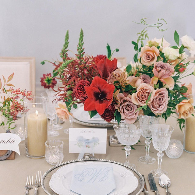 Lovely soft colors with that pop of red ❤️💯 Such a beautiful #weddingtable from @hautefetes and @plentyofpetals with our #dupioniquelinen in Wafer 📷@lauragordon  #latavolalinen #transformyourtable #tablecloth #weddingdetails #sandiego #sandiegowedding #sandiegobride #californiawedding #colorstory #colorpalette #popofred #weddinginspo