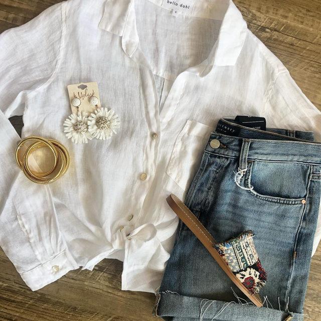We love a good linen button down 💙