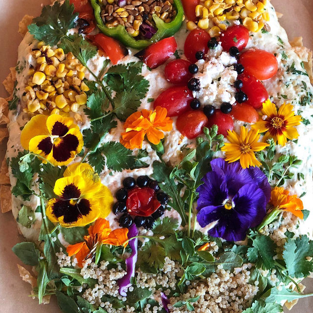 Our favorite flower-foraging focaccia gardener @LoriaStern reimagined her trademark focaccia using our Summer Corn Bowl + a few of her homegrown 🌼. Head to our story for a BTS of her dreaming up this edible flowerscape that's (almost) too pretty to eat. This #sghack is definitely Mother Nature-approved. #BreadWeek
