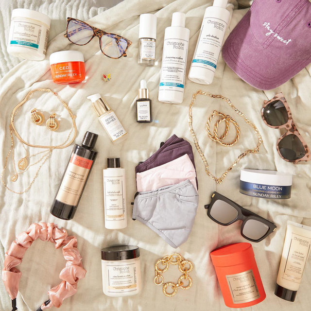 """🍁GIVEAWAY🍁 We've got your fall skin care, hair care, and accessories on lock thanks to these box partners! We've teamed up with @8otherreasons, @sundayriley, @christopherobinparis, and @nectarsunglasses to give one lucky winner the ultimate bundle. Enter to win by:  1) Following @fabfitfun, @8otherreasons, @sundayriley, @christopherobinparis, and @nectarsunglasses 2) Liking this photo 3) Tagging 2 friends 4) Using #giveaway and #FabFitFun in the comments  Congrats to our winner @alexleighbennett 🏆 Stay tuned for more chances to win!   #giveaway #win #free #fabfitfunfreefriday You may enter by (1) """"liking"""" FabFitFun's September 4, 2020, Instagram post announcing the Giveaway (the """"Fall Box Love Giveaway""""), (2) tagging two friends and using the hashtag """"#giveaway"""" and """"FabFitFun"""" using the """"Add a comment"""" feature of the FabFitFun's Fall Box Love Giveaway Post on Instagram, and (3) by following @fabfitfun, @8otherreasons, @sundayriley, @christopherobinparis, and @nectarsunglasses on Instagram. All entries must o"""