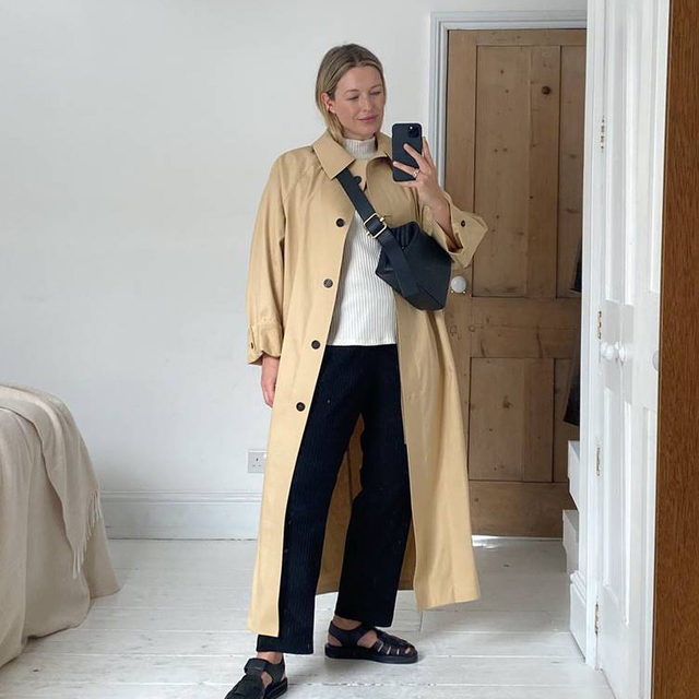 A week of outfits: transitional dressing with @alexisforeman. Swipe to see how Alexis styled her favorite EF pieces to carry her with ease in between seasons.