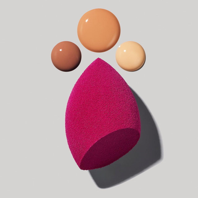 Who is a fan of our Total Face Sponge? 😍🙌 Use the pointed side to get into those hard to reach areas and the slanted side to hug the contours of the face for smooth makeup application. Tap to shop for $5 💖 #eyeslipsface #elfingamazing #elfcosmetics #crueltyfree #vegan