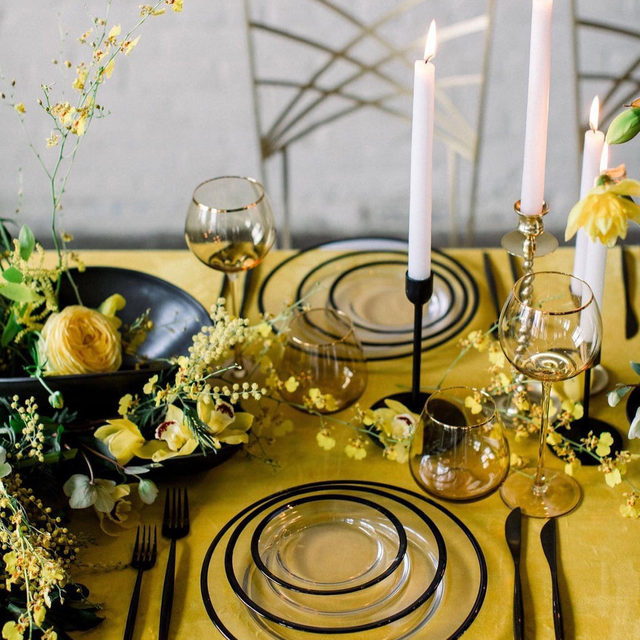 Yellow for the win! 🌼🌼🌼🌼 This table from @eventsbysorrell and @birdsofaflower makes us incredibly happy 💛 With our #velvetlinen in Golden Photography by @kate_preftakes  #latavolalinen #transformyourtable #yellow #livecolorfully #blackandyellow #modernwedding #nhwedding #newenglandwedding #yellowfloral #yellowflowers #massachusettswedding #modernbride #bettertogetherbbjlt #bbjlt
