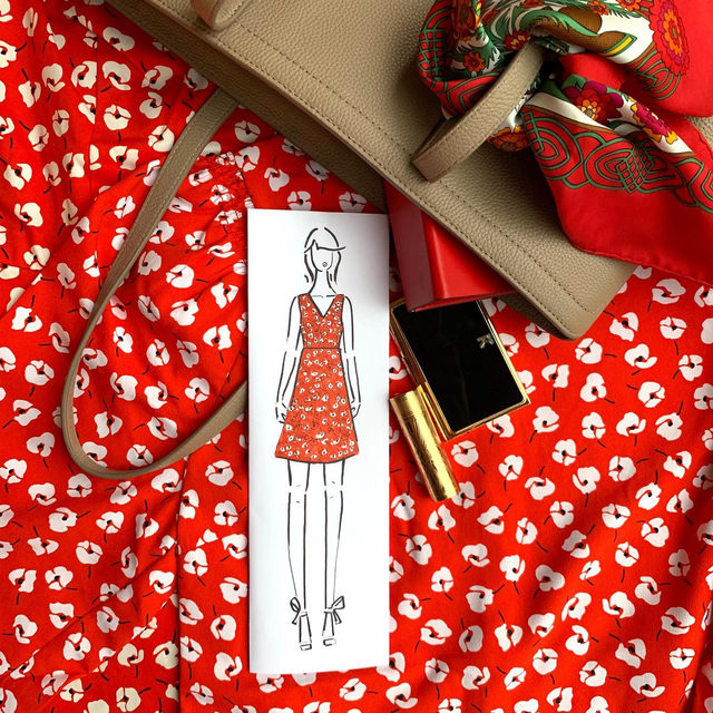 """How to accessorize a cheerful red dress? Advice from our Head of Design @kathrynsukey: """"A great bag in a beautiful neutral — also, don't be afraid to pop a red lip!""""💄❤️ 🚨"""