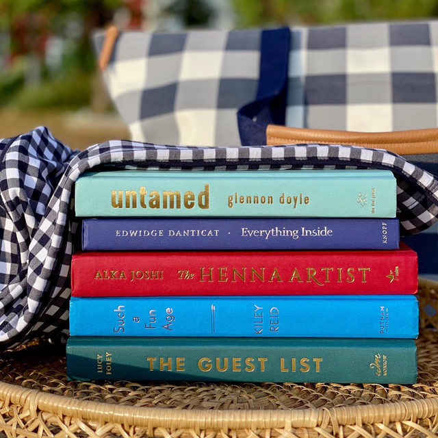 📚 GIVEAWAY IS CLOSED - WINNER TO BE ANNOUNCED 📚 To celebrate the unofficial first days of autumn, @draperjames will select one lucky winner to receive the following Fall Reader's Choice Set: five #ReesesBookClub book picks, a Draper James Gingham Weekender bag and Gingham Robe.  💙 To enter for your chance to win:  1) Like this post on the@draperjamesaccount 2) Follow@reesesbookclub and @draperjames  3) Tag your book club friends  Contest ends Sunday, 9/13 at 11:59 PM ET. Winners will be announced on Tuesday, 9/15 via Instagram Stories. One entry per person; US-based only. Not sponsored by Instagram. #readwithreese #djlovesgingham