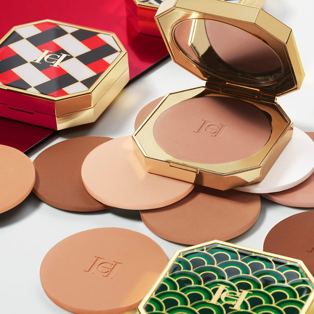 Throw them some shade with the refillable #HerreraBeauty powders in 8 skin-perfecting shades. Super blendable, these complexion enhancing shades create a weightless long-wearing veil of color that allows skin to breathe. And while you're at it, don't forget to customize your compact with one of 4 signature #HerreraBeauty prints. Buy online at carolinaherrera.com for Spain and UK.