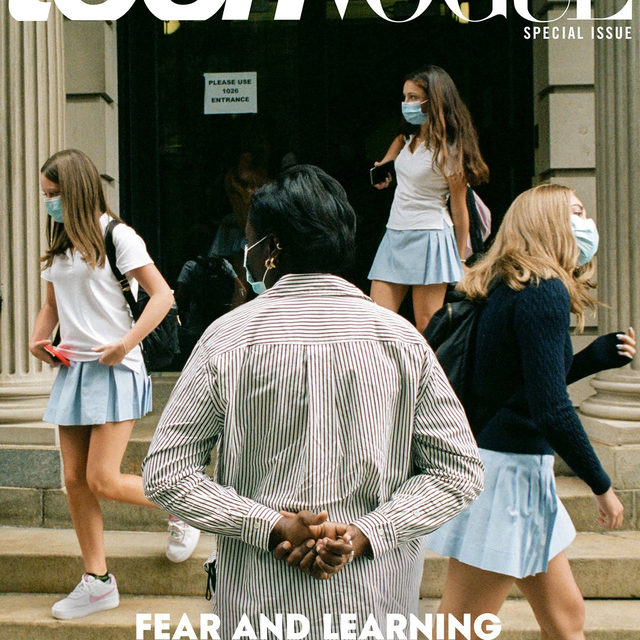 Fear, hope, and Zoom fatigue: students are experiencing a plethora of emotions as they return to school in America in the midst of the COVID-19 pandemic. What's to come? How will they balance their new day-to-day? Is it sustainable? In our new special issue cover story, Teen Vogue speaks to several teens as they return to the classroom to embark on the challenging journey ahead. Head to the link in bio for the full story. #FearAndLearning  📸: @arnold_daniel ✍🏻: @bmac0192