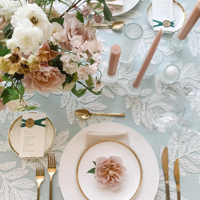 So in love with this look with our #georgialinen in Powder and #lukelinen napkins in Chalk from @alwaysyoursevents and @keriannenelsonflora 🌸🐋🤍 Photography @elizabethladuca  #latavolalinen #transformyourtable #latavola2020ss #embroidery #allinthedetails #softcolors #weddingcolors #dreamwedding #microwedding #blueandpink #paleblueandpink #somethingblue #milton #miltonnh #newhampshirewedding #bettertogetherbbjlt #bbjlt