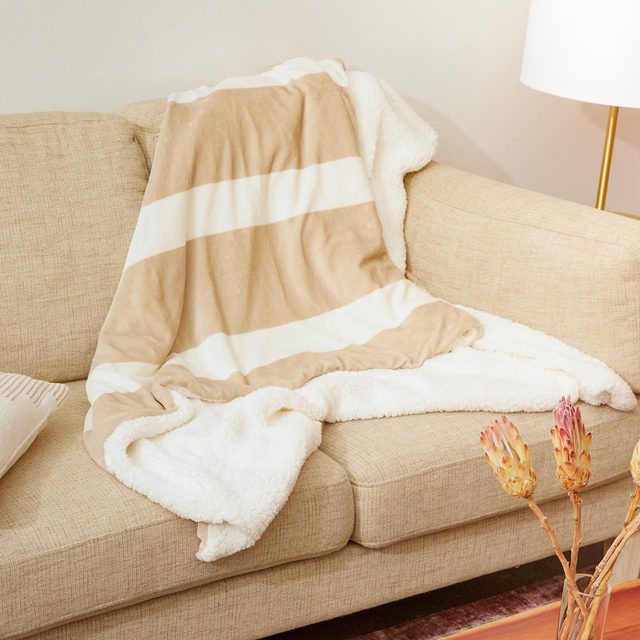 🛍️ FALL EDIT FAVE 🛍️ Let cozy season commence with this @summerandrose Two Tone Sherpa Throw 🧸 One side features a tan and cream color-blocked design and the other is a true fuzzy sherpa texture. It's all things warm and snuggly and we promise you'll be reaching for it all season long. Select Members, shop for yours today in the Fall Edit at the link in our bio!