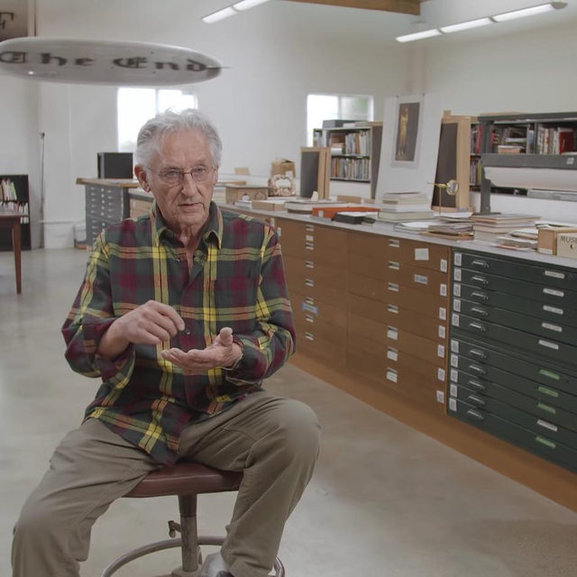 """#GagosianSpotlight: """"It's the same menu for me . . . everything I do comes from the way I was when I was 16 or 17 years old. Seems to be like a variation on a theme."""" —Ed Ruscha   In this interview for the Louisiana Channel, Ed Ruscha speaks about how his interests led him away from Abstract Expressionism and Minimalism to work with common objects and words. Follow the link in our bio to watch the video.  Tomorrow at 6am EDT, five recent works on paper by the artist will be unveiled on gagosian.com. Keep an eye out!  __________ #EdRuscha #Gagosian @edruschaofficial @louisianachannel Still from """"Ed Ruscha: Words Have No Size,"""" 2016, courtesy Louisiana Museum"""