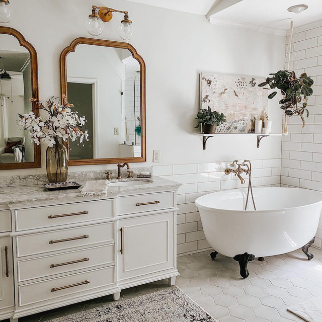 Bathroom of dreams ❤️ Photo by @thelighthomestead (link in profile to shop)
