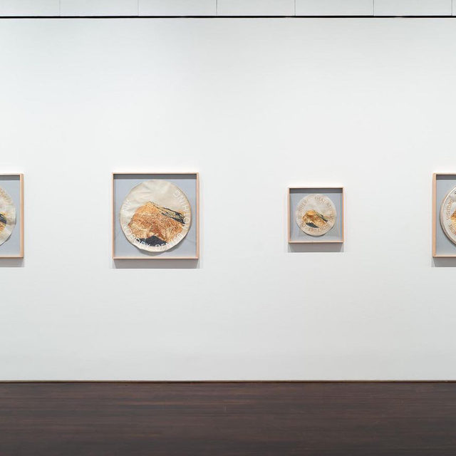"""#GagosianSpotlight: """"Ed Ruscha: Drum Skins"""" is on view at Blanton Museum of Art, Austin, Texas, through October 4. This show features more than a dozen new works by Ed Ruscha painted on found drum heads. Ruscha sourced the paintings' visual iconography and language from the American vernacular. Ruscha speaks about the Oklahoma roots of the exhibition in a """"New York Times"""" piece by M. H. Miller from earlier this year. Follow the link in our bio to read the article. _________ #EdRuscha #Gagosian @edruschaofficial @blantonmuseum Installation views, """"Ed Ruscha: Drum Skins,"""" Blanton Museum of Art, Austin, Texas, January 11–October 4, 2020. Artwork © Ed Ruscha"""