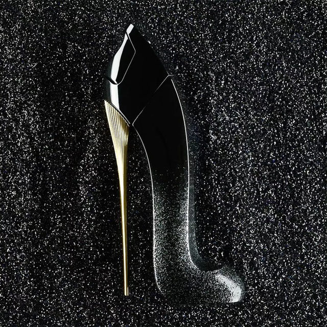 All that glitters... Good Girl Suprême reinvents the iconic Good Girl stiletto with a shimmering black-to-glitter dégradé design. #GoodGirlCarolinaHerrera