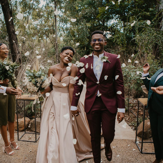 "That ""just married"" feeling of pure bliss.❤️ Head to the #linkinbio for a unique wedding in South Africa that's hard not to fall in love with... and not just because it was literally inspired by this couple's relationship! 😉 #BridesRealWeddings // 📸: @picturemeandu 💐: @pebbleandlace"