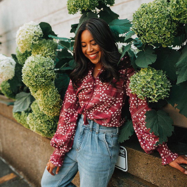 Good moods? They stem from florals 💐 Photo by @emmasedition (link in profile to shop)